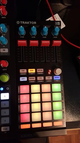 DJ TechTools - Ernesto's 4 Deck  STEMS mapping for kontrol f1